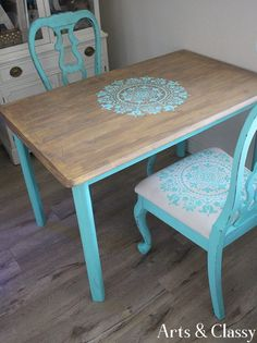 Curbside furniture that gets flipped into something beautiful. This is a reflection of some amazing trash that I turned into treasure #furnitureflip #furnitureproject #paintedfurniture #curbsidefind | Arts and Classy
