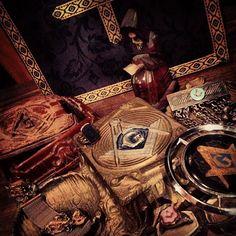 Vintage items with Freemason Symbols