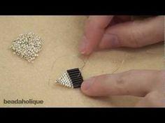 Seed Bead Jewelry, Bead Jewellery, Seed Bead Earrings, Diy Earrings, Beaded Jewelry, Seed Beads, Hoop Earrings, Fringe Earrings, Beaded Bracelets