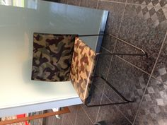 Bizzy chair Camo leather LE