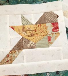 I'm busy designing new patterns but I try and make a little bird block every day for my Autumn Feathers quilt. I've been asked if this block is paper pieced and it's not if you haven't made one yet you'll love how they come together. #thepatternbasket #feathersquiltpattern #showmethemoda