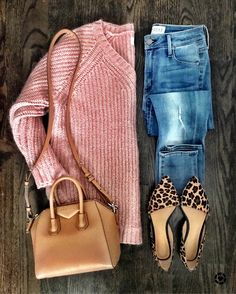 Blush pink sweater and denim jeans outfit leopard flats outfit casual winter spring outfit tan nude handbag purse minimalist chic Pink Sweater Outfit, Leopard Shoes Outfit, Pink Top Outfit, Mode Outfits, Casual Outfits, Fashion Outfits, Womens Fashion, Fall Winter Outfits, Autumn Winter Fashion