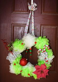 Bath loofah wreath. Change color and theme for girls spa birthday