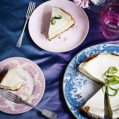 Elderflower and lime cheesecake A creamy cheesecake that tastes better made the day before Lime Cheesecake, Cheesecake Recipes, Dessert Recipes, Desserts, Drink Recipes, Yummy Recipes, Yummy Treats, Sweet Treats, Yummy Food
