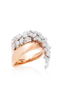 Diamond Rings 2017 / 2018 : Image Description Blending creative design with refined taste, this piece by **Yeprem** stuns with innovative and revolutionary forms, perfect for the everyday modern woman. Diamond Jewelry, Gold Jewelry, Jewelry Rings, Fine Jewelry, Diamond Studs, Diamond Rings, Jewellery, Bijou Box, Sunflower Jewelry