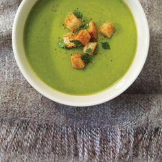 Potage Saint-Germain | Ricardo Soup Recipes, Cooking Recipes, Ricardo Recipe, Pea Soup, Easy Entertaining, Soup And Sandwich, How To Eat Paleo, Sandwiches, Kitchens