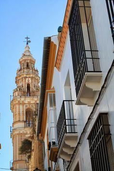 Rincones de Andalucía: calle de Estepa (Sevilla) / Places in Andalucía: street in Estepa (Sevilla), by @Constanza Lucadamo