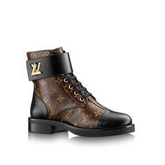 Louis Vuitton Wonderland Flat Ranger: Our must-have ranger boot, accessorized with the LV Twist buckle seen on leather goods, is declined this season on iconic Monogram canvas. Leather Ankle Boots, Ankle Booties, Bootie Boots, Combat Boots, Lv Boots, Star Boots, Louis Vuitton Usa, Vintage Louis Vuitton, Ranger