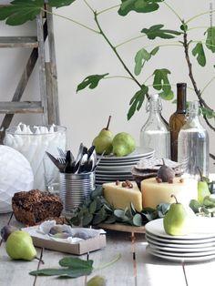 Dukat för trädgårdsfest | Livet Hemma – IKEA Ikea Kitchen, Kitchen Decor, Kitchen Stuff, Ikea Outdoor, Home Board, Table Set Up, Food Displays, Deco Table, E Design