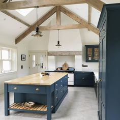 Shaker kitchen renovation with reclaimed radiators and slate flooring Modern Country Kitchens, Modern Kitchen Design, Home Kitchens, Little Boys Rooms, Kids Rooms, Conservatory Kitchen, Oak Parquet Flooring, Apartment Furniture, Love Home