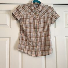 Cute Plaid Short Sleeve Top Cute plaid short sleeve button down collared top. Missing one button. Great colors for fall Ben Sherman Tops Button Down Shirts