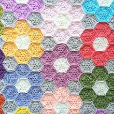 Ravelry: Project Gallery for WeekEnder Blanket pattern by Sandra Paul
