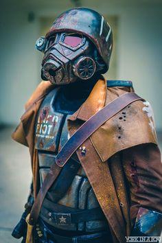 Ncr Ranger, Fallout New Vegas Ncr, Fallout Art, Gas Masks, Nuclear War, Trash Polka, Elder Scrolls, Derp, Eminem