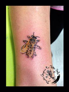 Bee by dimitris grapsias koi tattoo