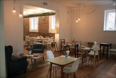 Das Café Caspar ist die moderne Interpretation der katholischen Mensa. Man darf sich freuen über Fusionsküche, Toilettenpapierdebatten & ein Dankeslied!