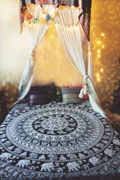 This Elephant Mandala Bed Throw/Wall Hanging is an incredible piece in minimalistic black & white to fully illuminate the intricate mandalas, traditional pa Elephant Bedding, Elephant Room, Mandala Elephant, My New Room, My Room, Mandala Curtains, Mandala Tapestry, Queen Size Bedspread, Mandala Throw