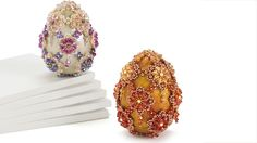 Beaded Eggstravagance by Julia Gerlach. Free Easter project.  Easter eggs. Free jewelry making project. Bead&Button magazine. FacetJewelry.com. Facet Jewelry. Art Jewelry. Jewelry making.