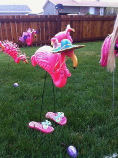 """These flamingos were created by friends of JoAnn to help her through Chemo. Flamingo Craft, Flamingo Garden, Flamingo Decor, Flamingo Party, Yard Flamingos, Plastic Pink Flamingos, Flamingo Outfit, Flamingo Tattoo, Storks"