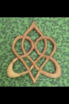 celtic symbol of eternal love... it would be great!