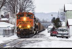 RailPictures.Net Photo: BNSF 9193 BNSF Railway EMD SD70ACe at Elizabeth, Pennsylvania by Ben Sutton