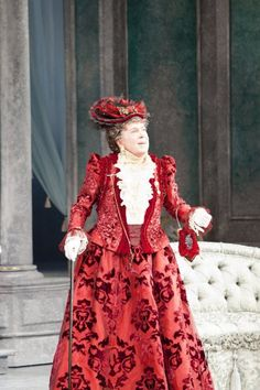"""""""Within seconds of sweeping onstage, and with a wordless gesture as funny as it is subtle, the great actor Brian Bedford proves beyond question that gender is of no importance whatsoever in portraying the imposing Lady Bracknell in Oscar Wilde's greatest comedy, """"The Importance of Being Earnest.""""""""-New York Times"""