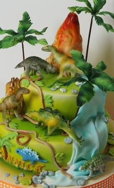 Torta de dinosaurios con figuras #pasteles #tortas #dinosaurios