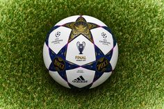 Wembley 2013 Champions League Soccer Ball I Love Futbol Play Soccer, Soccer Ball, Uefa League, Soccer Pictures, European Cup, European Football, Champions League, Just Do It, Finals