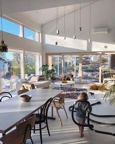 """H A N N A H ✖️ julkaisivat Instagramissa: """"Lattia raivattu pienistä legopalikoista ja muista tärkeistä aarteista. Tanssilattiat haltuun -…"""" • Katso käyttäjän @hannahsuvivirta kaikki kuvat ja videot hänen profiilissaan. Outdoor Decor, Instagram, Home Decor, Decoration Home, Room Decor, Home Interior Design, Home Decoration, Interior Design"""