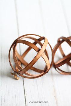 DIY: embroidery hoop spheres
