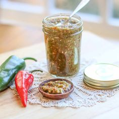 Calling out all jalapeño and garlic lovers…. I have the relish for you! This Fresh Hot Jalapeño and Garlic Relish is packed with some major heat and full of an incredible flavor. It is Whole 30 and Paleo approved! Green Chilli Sauce, Thai Peppers, Jalapeno Relish, Low Carb Recipes, Cooking Recipes, Jalapeno Recipes, Paleo Whole 30, Hot Sauce, Yummy Treats