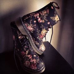 Floral Doc Martens - totally just bought a pair of knocks off of these, will tide me over until I can afford the real thing ; Snow Boots, Ugg Boots, Cute Shoes, Me Too Shoes, Dr. Martens, Floral Combat Boots, Crazy Shoes, Shoe Game, Timberland Boots