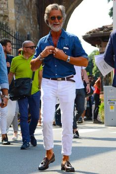 What are the 5 ways to get the denim shirt kode apart? - Best Fashions for All Fashion For Men Over 60, Mature Mens Fashion, Italian Mens Fashion, Old Man Fashion, Older Mens Summer Fashion, Style For Men Over 50, Men's Fashion, Stylish Men, Men Casual