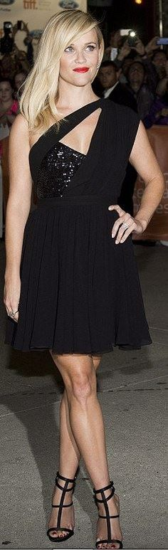 Who made  Reese Witherspoon's black sequin dress that she wore in Toronto on September 8, 2014