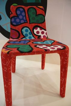 Romero Britto ANOTHER STYL E OF CHAIR <3<3 @