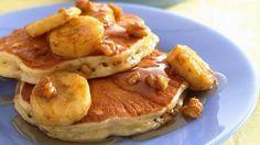 Υγιεινές τηγανίτες.... Βρώμη 100γρ (Κουάκερ), 3 ασπράδια αυγού σκέτα, 1 ολόκληρο αυγό, Μερικές σταφίδες (20γρ) ή 2-3 ξερά δαμάσκηνα σε κομματάκια,Λίγη κανέλα,  Μία κουταλιά της σούπας ελαιόλαδο, Μέλι ή μαρμελάδα,Μία μεσαία μπανάνα κομμένη σε φέτες    Βάζετε στο μίξερ την βρώμη, μαζί με τα