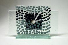 Mini relógio em vidro tons de cinza Peça Exclusiva 12 x 12 cm R$39,00