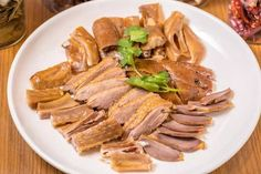 The hand shredded goose is a common dish in Guangdong family's table. Eastern European Recipes, Middle Eastern Recipes, Best Chinese Food, Korean Food, Croatian Recipes, Mexican Food Recipes, Georgian Food, Israeli Food, Australian Food