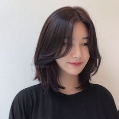 Pin on 髪型 Cute Hairstyles For Medium Hair, Medium Hair Cuts, Short Hair Cuts, Medium Hair Styles, Curly Hair Styles, Asian Hairstyles, Japanese Hairstyles, Men Hairstyles, Korean Bangs Hairstyle