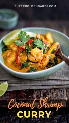 This easy prawn curry (a.a shrimp curry) with coconut milk and spinach is perfect for a quick midweek meal. Delicious and slimming friendly too, Curry Recipes, Seafood Recipes, Indian Food Recipes, Asian Recipes, Vegetarian Recipes, Dinner Recipes, Cooking Recipes, Healthy Recipes, Savoury Recipes