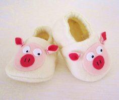 Pig Baby Booties Newborn Infant Baby Slippers от CharliesGiraffe