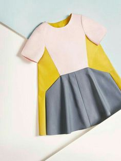 Colour blocking dress!