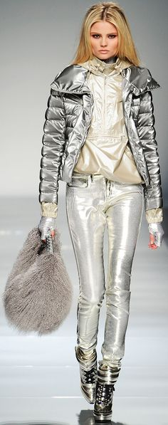 Blumarine :: Fall RTW 2012 love this look!