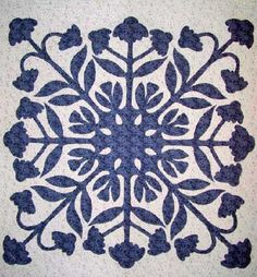 PRQC-Photo Gallery of applique quilts made by students of Nancy ...