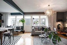 Ideas and inspiration Oversized Mirror, Windows, Living Room, Inspiration, Furniture, Home Decor, Voici, Decor Ideas, Vintage