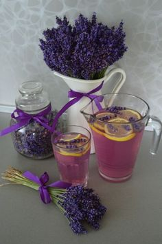Levandulová limomáda Lemonade Cocktail, Lavender Lemonade, Cocktails, Preserving Food, Mojito, Mixed Drinks, Cooking Tips, Natural Remedies, Smoothies