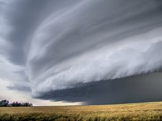 "Top 10 Weather Photographs: 4/1/2015 ""Shelf Cloud Incoming"" – Daunting Shelf Cloud!"
