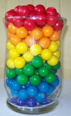 Bubble-gum in a jar at a Rainbow Party - Rainbow Parties, Rainbow Birthday Party, Rainbow Wedding, Rainbow Theme, Rainbow Baby, Rainbow Colors, Birthday Parties, Rainbow Sweets, Birthday Ideas