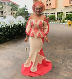 mercy-aigbe-aso-ebi-styles Hello divas, am sure will like Actress Mercy Aigbie. check the beautiful aso Ebi styles rock by Mercy Aigbe. Nigerian Lace Dress, African Lace Dresses, African Dresses For Women, African Attire, African Wear, African Fashion Dresses, African Women, Ankara Fashion, African Style