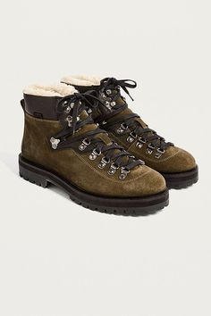 46b335539 Slide View  2  UO Baxter Shearling Hiker Boots Urban Outfitters Women