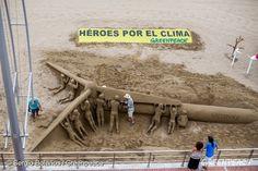 Sand Sculpture for Solar Paradise Project in Gran Canaria. 25 Jul, 2015 © Sergio Bolaños / Greenpeace